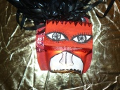 masque sans yeux , bandes réfléchissantes, gouache et fils de vhs